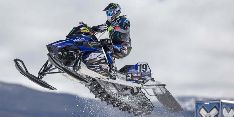 Doug Henry Consigue Plata en Snowmobile Snocross Adaptive