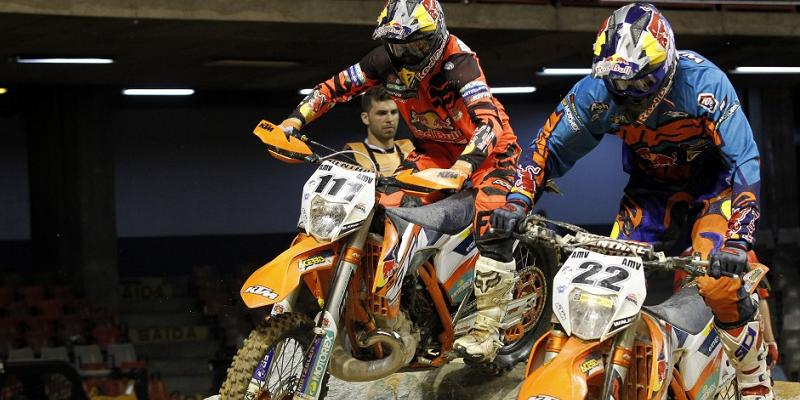 Taddy Blazusiak al Enduro Extremo y Jonny Walker en Ride World Elements