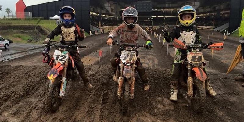 Nacional de Motocross, Sábado