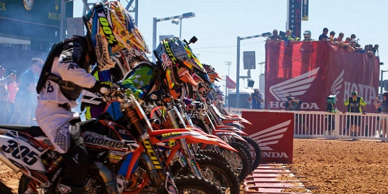 Mexicanos en el RC Supercross