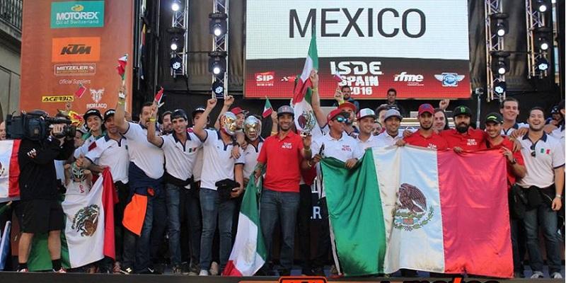 Desfile de Banderas, México en ISDE