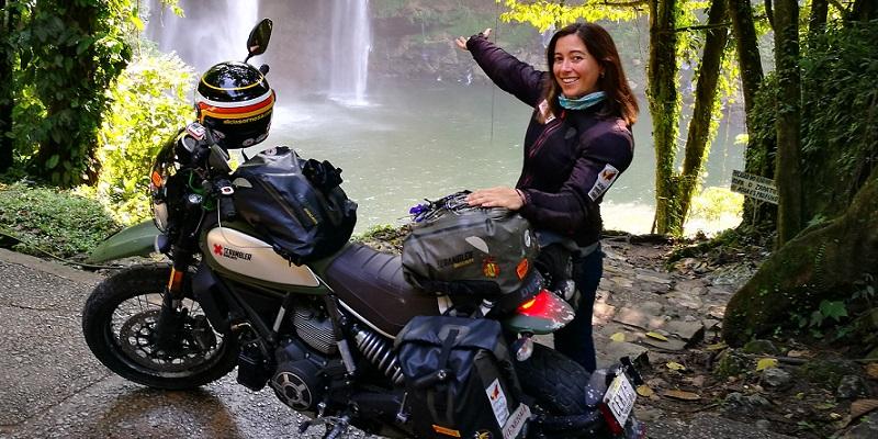 Alicia Sornosa, Viajera Incansable