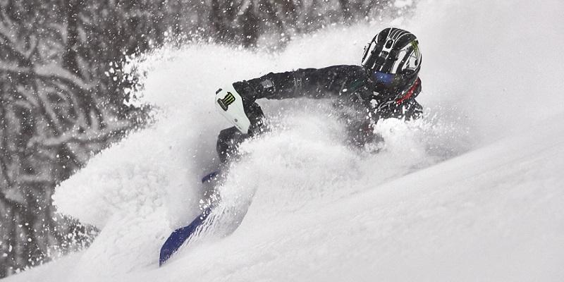 Hamilton en la Moto… de Nieve
