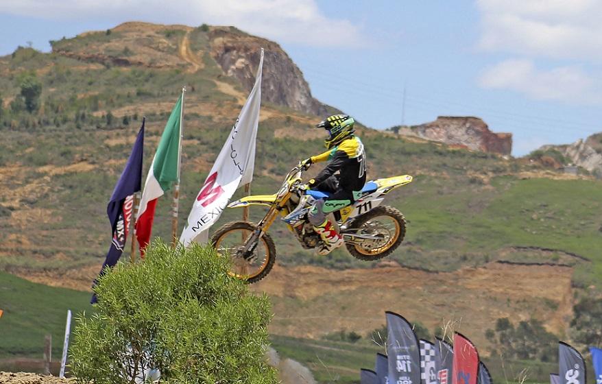 Semi final de Motocross Platino Plus