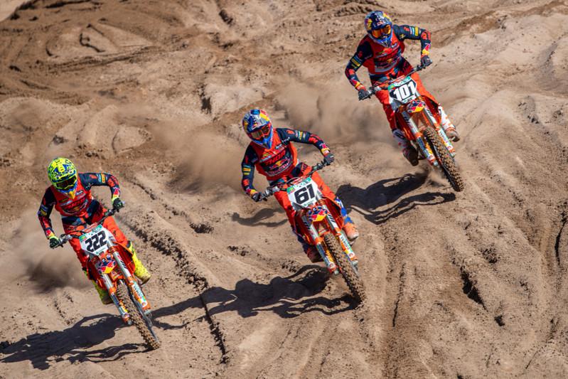 1/2 Equipo del KTM Factory Racing